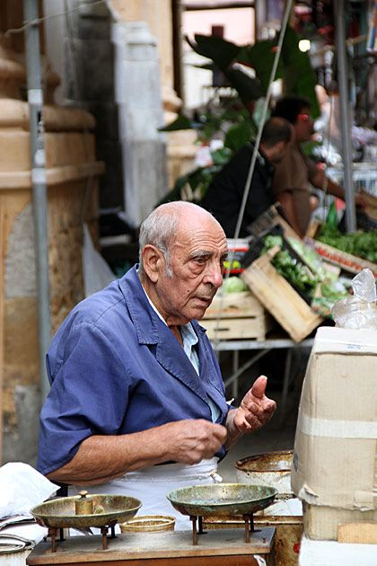 Street merchant in Palermo, Sicily at this market: http://palermo.for91days.com/2011/09/27/il-capo-comes-alive/ #palermo #portraits #travel