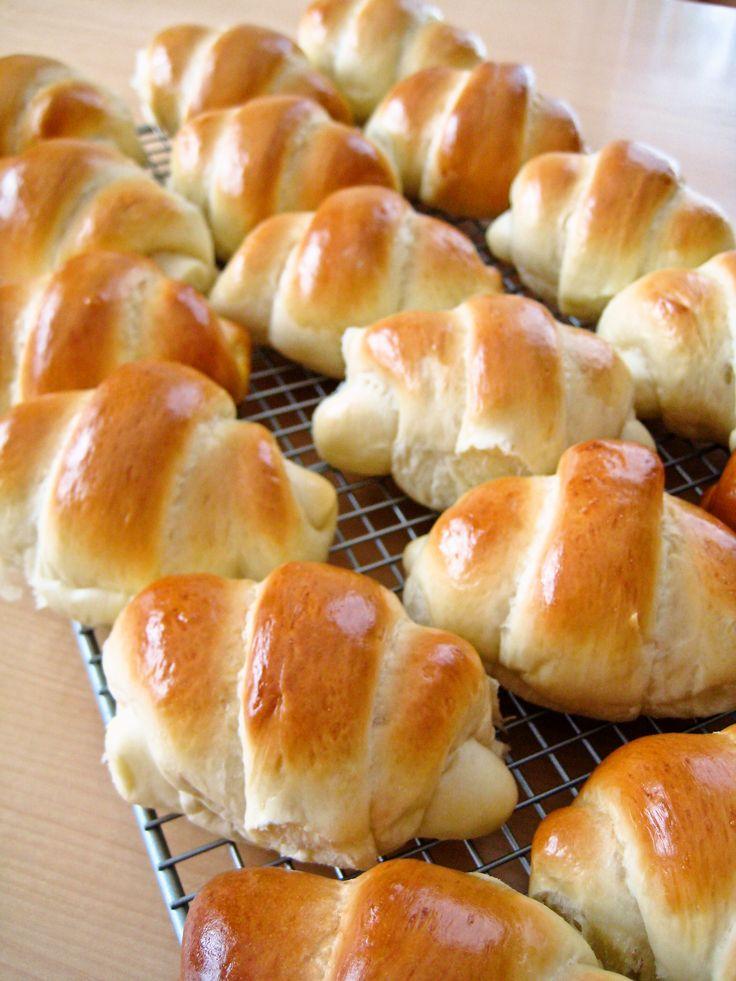 Sweet dinner roll recipe in Japanese http://cookpad.com/recipe/447814