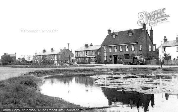 Cippenham, the Swan Inn 1950