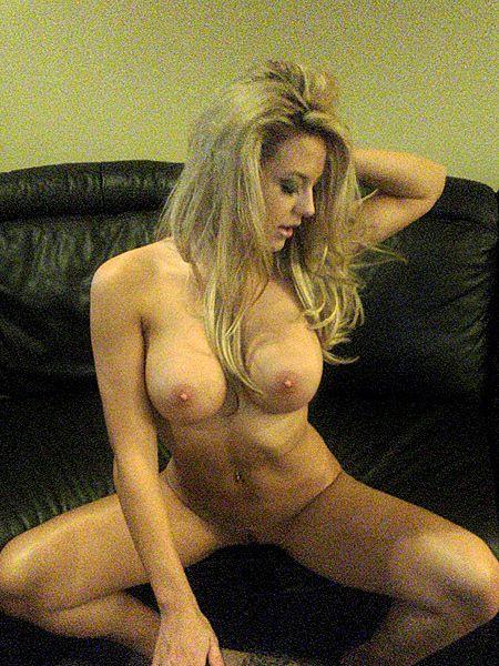 naked pics of female wrestlers