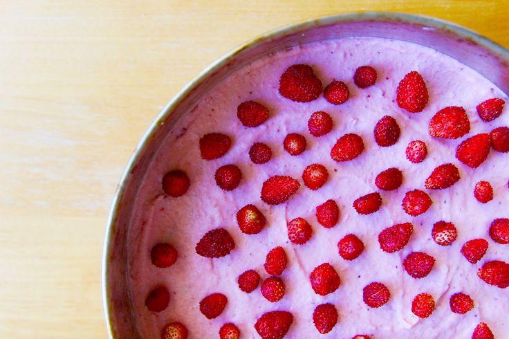 Jahodový šlehačkový dort / Creamy strawberry cake