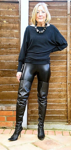 Who Says Older Women Cant Look Great In Shiny Leggings -6252