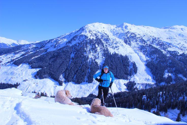 »Du sollst jede Bergfahrt mit Kopf und Hand sorgfältig vorbereiten, einerlei, ob du allein, mit Freunden oder mit Führern gehst. Ein Unwissender oder Hilfloser am Gängelband einer alpinen Kindsmagd ist in den Bergen eine jämmerliche Gestalt. Dein geistiges Rüstzeug sei ebenso vollkommen wie deine alpine Ausrüstung.«  2. Gebot aus den 10-Bergsteiger-Geboten von Luis Trenker aus den 30er-Jahren