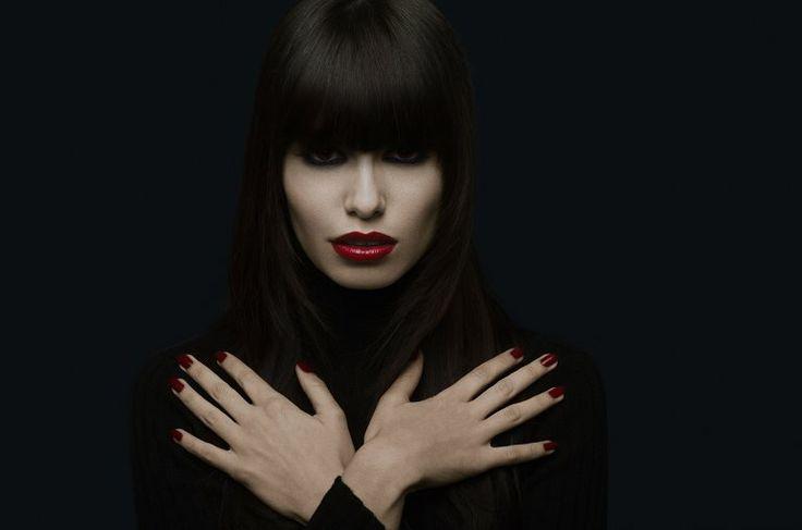Dark Blue Model: Mayra Bressan Makeup: Ly Moreira Photo: Michel Flores