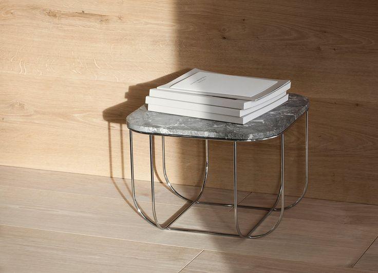 Elegant sidobord från Menu Fuwl Cage Table i marble/chrome 43cmx43cm, höjd 30cm. Kunde funka som nattduksbord. 2999 SEK fr Länna.