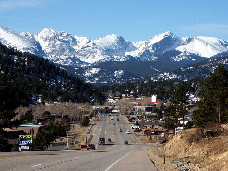 Estes Park, CO : View of entering Estes Park from Highway 34