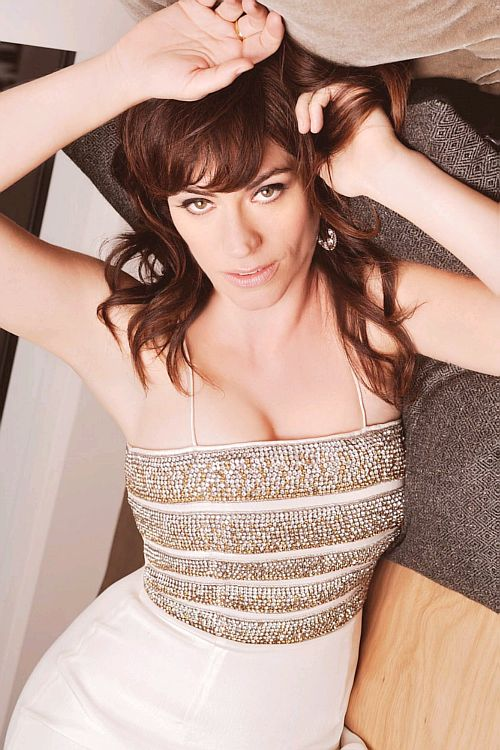 Maggie Siff in Regard Magazine..... She looks beautiful... So jealous of her life....