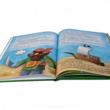 """Twarda okładka książki """"Pękaty Parowozik wyrusza w podróż"""", którą znajdziesz na szukamprezentu.pl"""