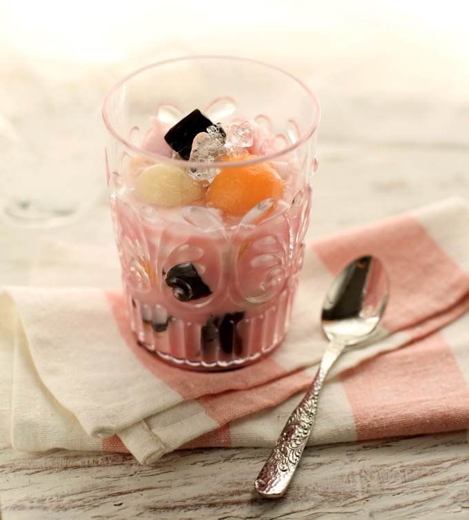 Es Campur / Indonesian mix fruits ice dessert