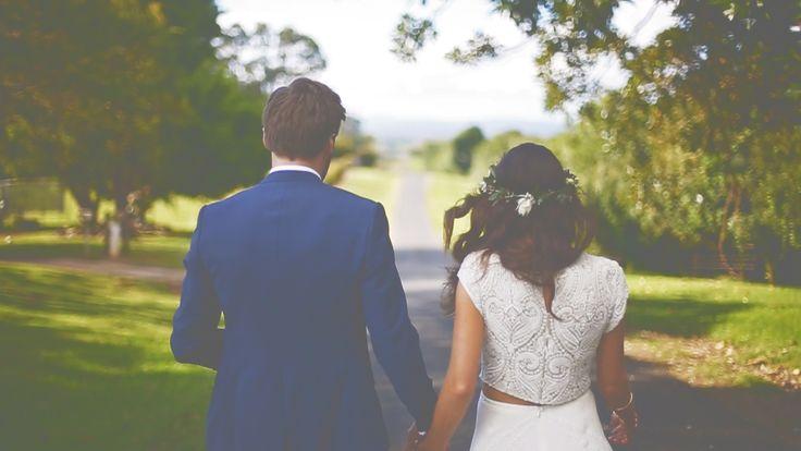Graeme Passmore Photography | Sunshine Coast Wedding Photographer & Videographer | www.graemepassmore.com | Venue: Down Converys Lane, Wollongbar | Dress: Bo & Luca