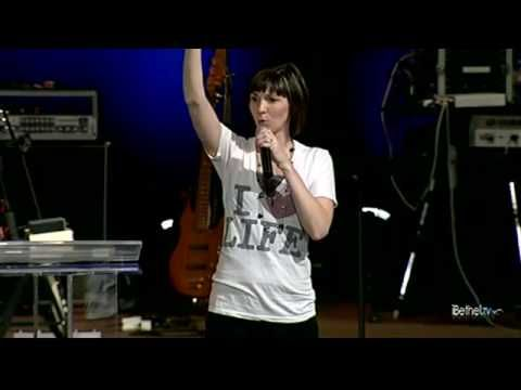 ▶ Kim Walker - A Lifestyle of Worship - YouTube