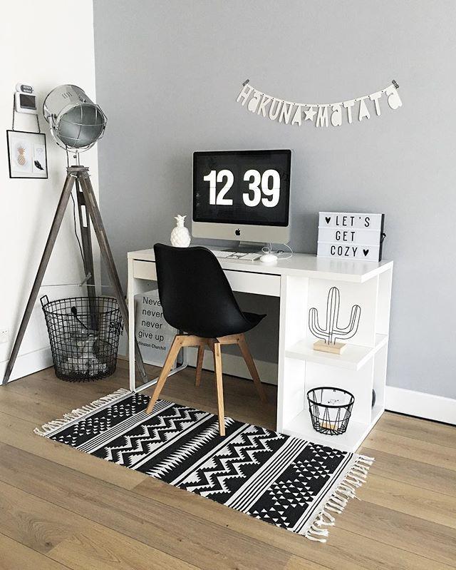 Fijn weekend! 🤘🏻✖️ #industrieelwonen #office #scandinavianhome #home #homeinspiration #instahome #homeaccessories #interieurstyling #interieurinspiratie #woonkamer #wonen #living #interior4all #scandinavianstyle #kwantuminhuis #imac #livingroom #inspiration #homeinspo #scandichome #industrieel #industrialdesign #interior #scandicliving #lightbox #bijmijthuis #binnenkijken #vtwonenbijmijthuis #letterslinger #workspace