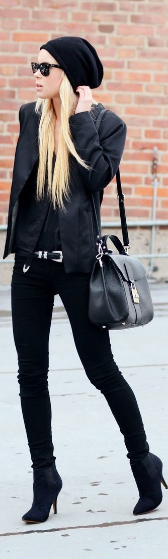 Edgy look | All black outfit with leather coat and green and black tartan scarf