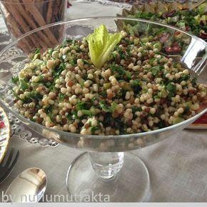 Çay sofralarınıza yepyeni,sağlıklı,besleyici ve lezzetli bir salata tarifi geliyor.Yapımı çok ama çok pratik..Sadece malzemeleri hazırlay...