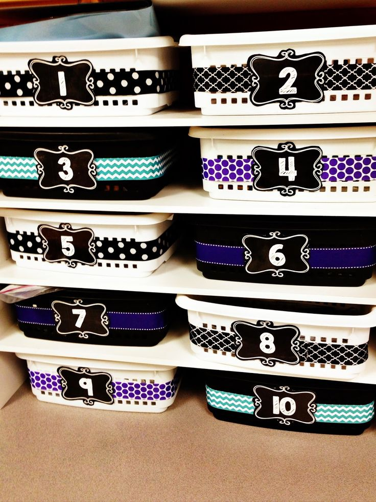 *Free* Chalkboard Labels! Great for organizing math tubs in your classroom!