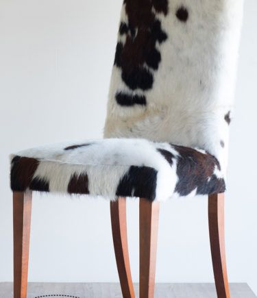 design stoel koeienhuid zwart wit