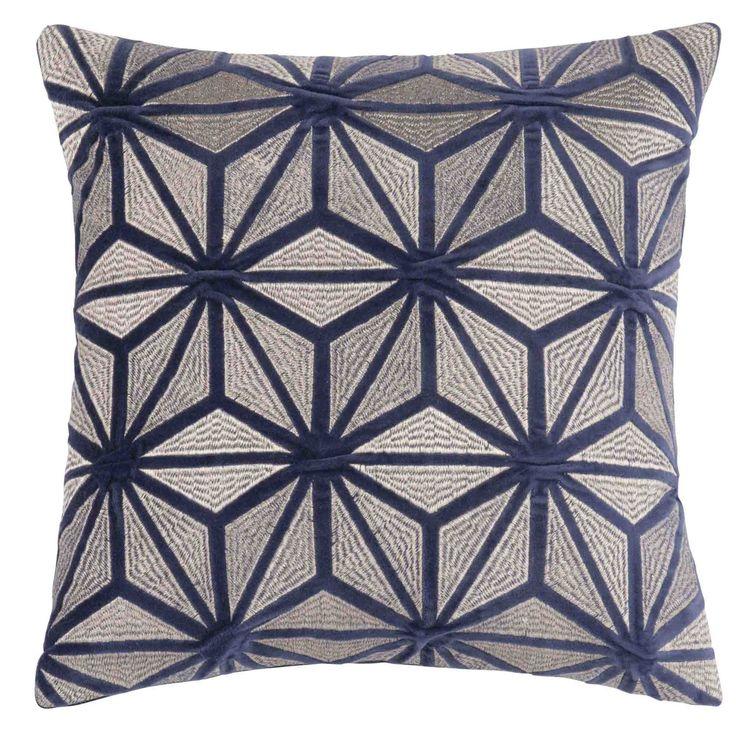 pin by jade liron on bedroom housse de coussin maison. Black Bedroom Furniture Sets. Home Design Ideas