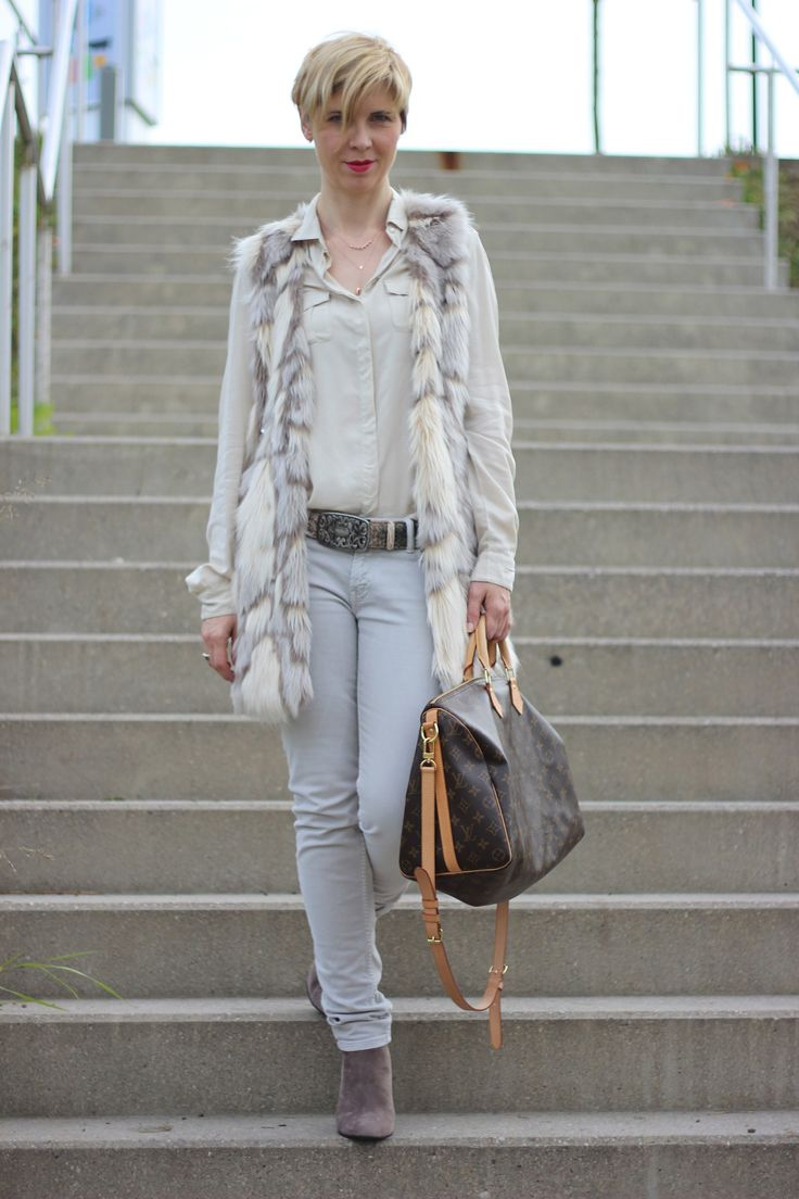 winter nude - light colours - jeans - grey and nude