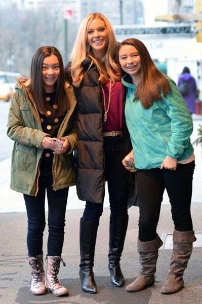 Kate Gosselin's twin daughters Cara and Maddie have sure grown up a lot. The trio posed for fans and photographers outside their Manhattan hotel.