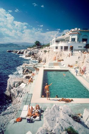 The legendary Hôtel du Cap-Eden-Roc by Slim Aarons