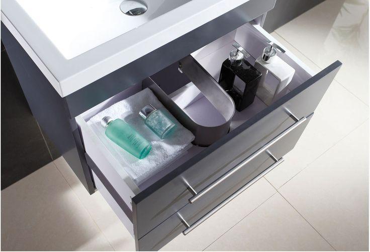 € 449,- De meubels van de SlimLine 70 serie maakt het mogelijk om ook in de wat kleinere badkamers een meubel van hoogwaardige kwaliteit te plaatsen. De kleurstelling van dit meubel harmoniseert bij bijna elke badkamer stijl en maakt indruk met zijn praktische eigenschappen zoals de Soft-close lades.  #badmeubel #badkamer #antraciet #mooi #slimline #inspiratie #woonidee