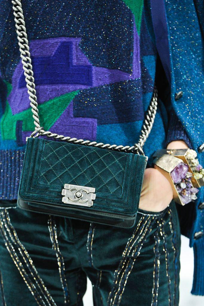 Chanel automne 2012 Prêt-à-porter - Collection - Galerie - Style.com