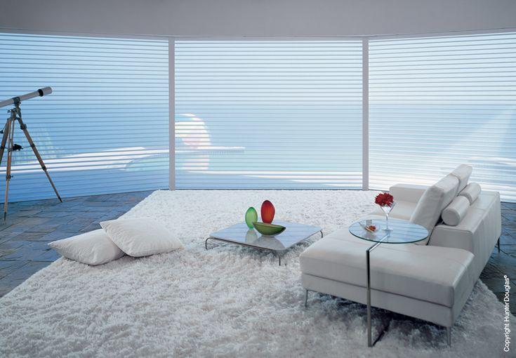 Privacidade, escurecimento e visibilidade para os mais diversos estilos de decoração. Silhouete - Hunter Douglas - Soho Design.