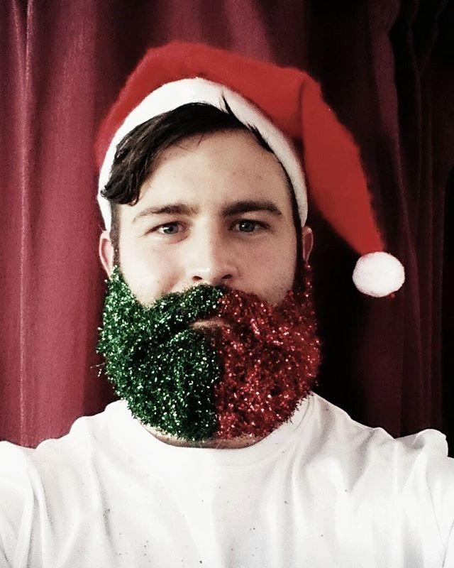 9 best christmas beards images on pinterest glitter beards beard trend and gold glitter. Black Bedroom Furniture Sets. Home Design Ideas