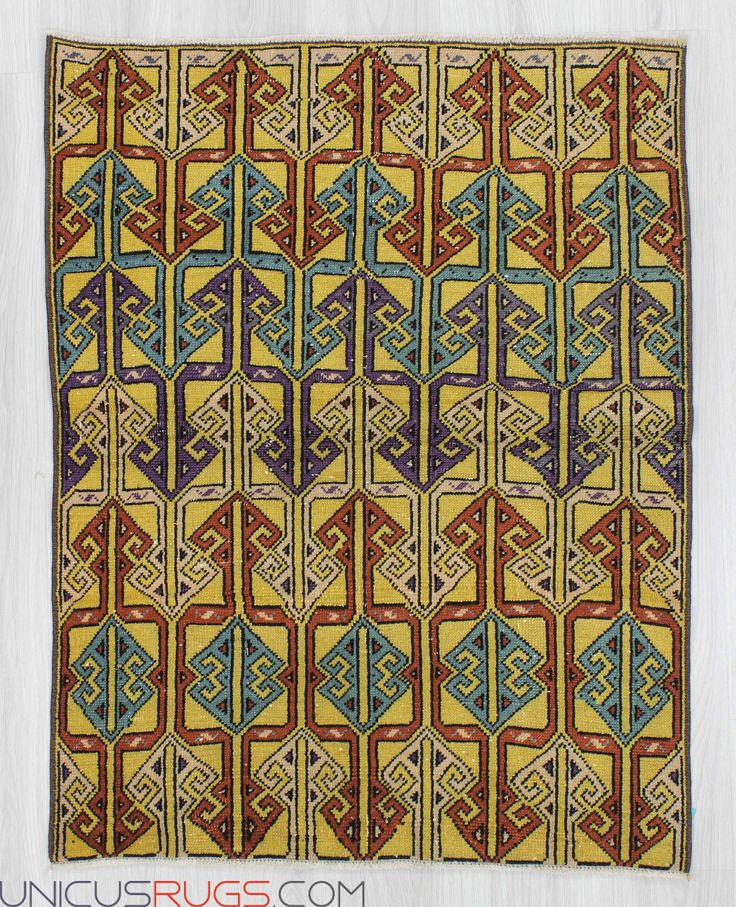 "Vintage art deco rug from İsparta region of Turkey.İn good condition.Approximately 50-60 years old Width: 3' 0"" - Length: 3' 10"" Vintage Art Deco Rugs"