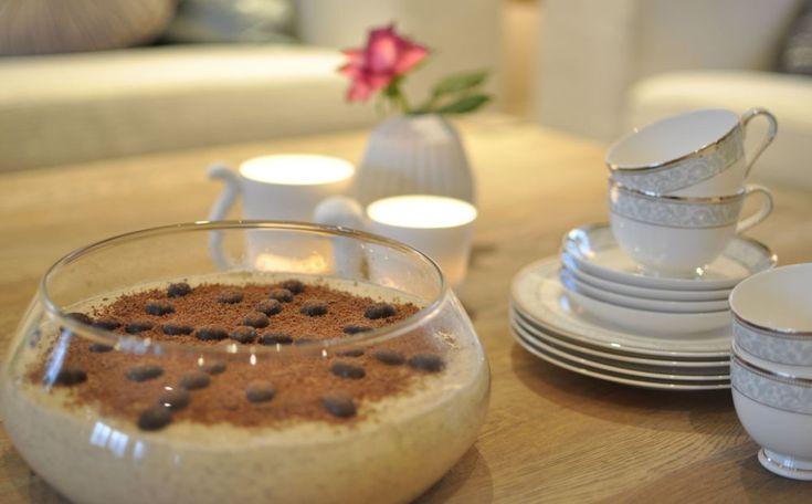 Denne desserten står alltid på bordet når det er familieselskap hjå oss. Manglar den kan du vere sikker på at nokon kommenterer det…! Og det er ikkje så rart, den... Fortsett å les »