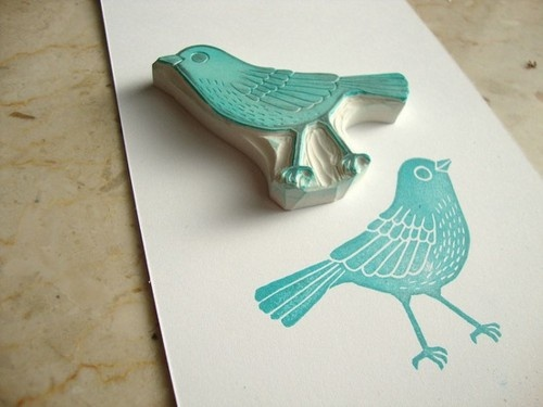 Love the design of this cute bird stamp you can carve