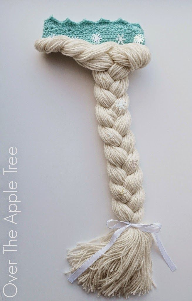 Got a Frozen lover on your hands? Check out this free pattern for a Crochet Elsa Crown With Long Hair