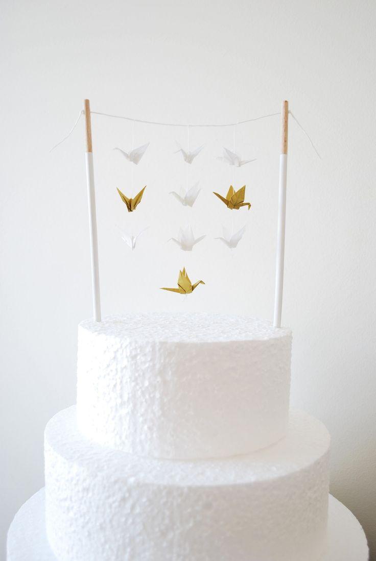 Les grues- origami : Décoration pour gâteau -Cake Topper - banderole, figurine, blanc et doré. : Accessoires de maison par rosemiel