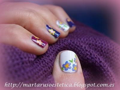 Uñas violetas primaverales :)