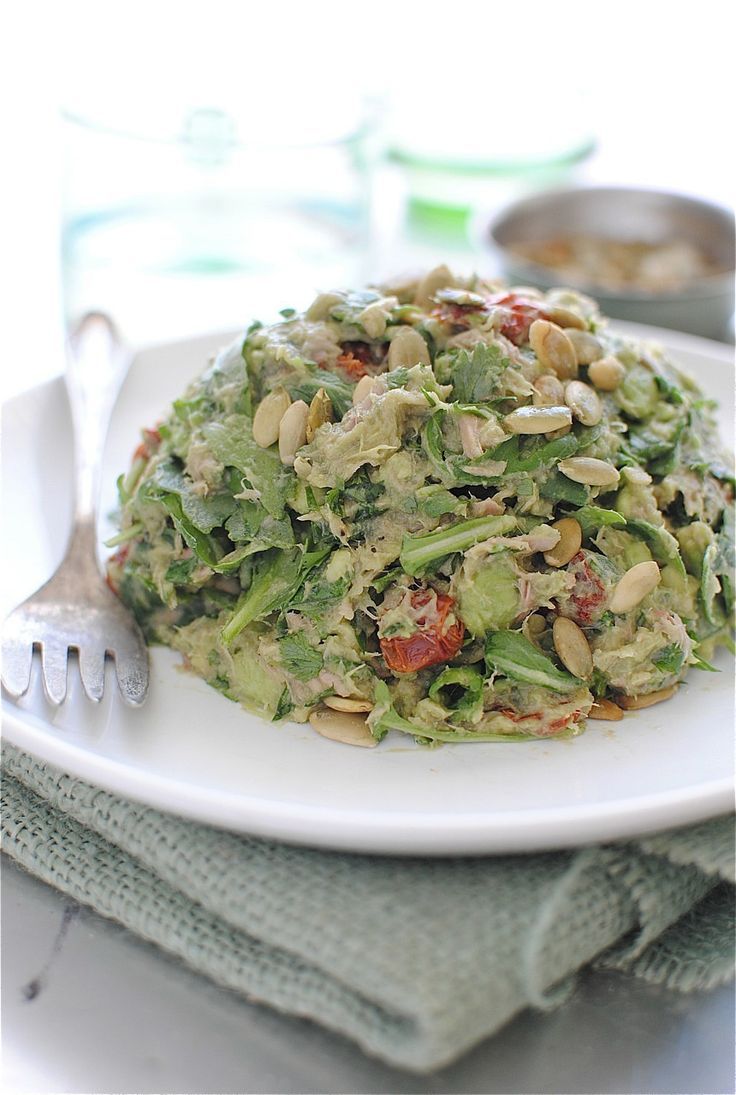 Guacamole Tuna Salad /   I made a variation of this for lunch today.  Mashed 1 avocado, salted to taste, added 1 can of drained tuna, 1 small chopped fresh tomato and chopped onion to taste.  Had over bed of lettuce - very good and filling.