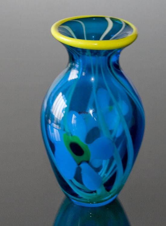 Mundblæst glas vase, blå med gul kant, Højde: 25cm, Glas Kunst, Produceret for DPH Denmark