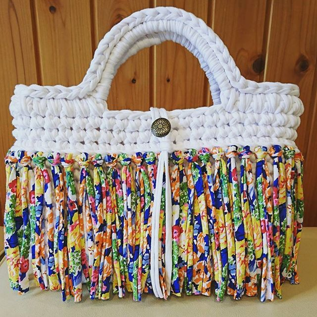 これからの季節にピッタリの可愛くて爽やかなバッグが完成しました❗  #ズパゲッティバッグ #ズパゲッティ #monopop #ハンドメイド  #handmadebags #crochet #craful2017春コンテスト #tshirtyarn #かぎ編みバッグ