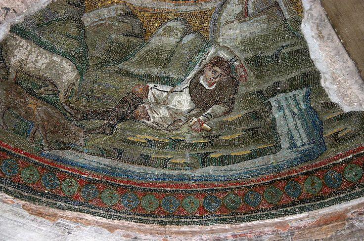 Cappella di Sant'Aquilino, basilica di San Lorenzo, Milano. Il mosaico della fine del V secolo del periodo teodoriciano. Apoteosi di Elia