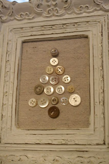 button christmas tree on burlap. super easy, super cute, inexpensive.