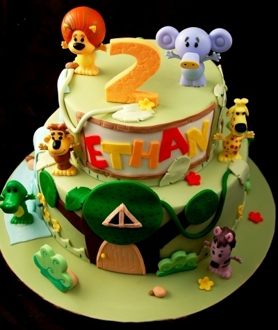 Raa Raa Noisy little lion Cake! By Zelicious on CakeCentral.com