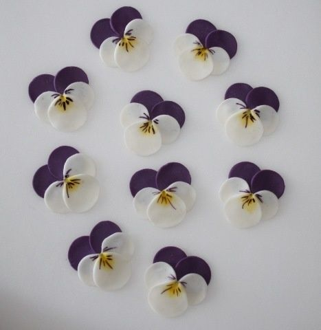 pansies made with circle punch by BIGSISBECKY
