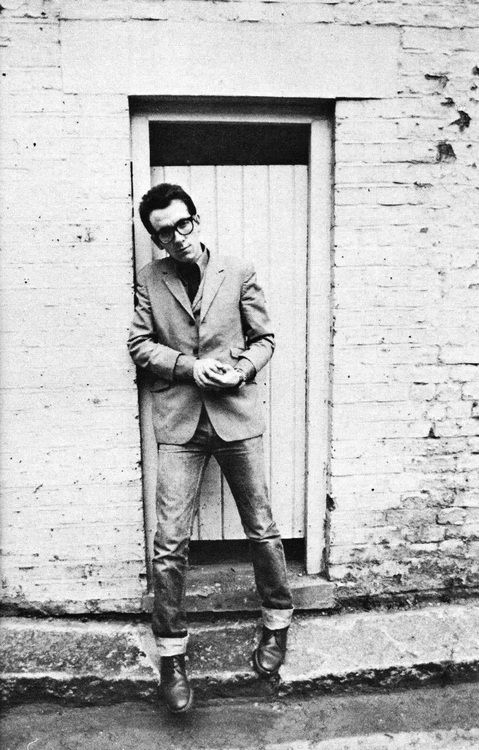 Elvis Costello ... Follow – > http://www.songssmiths.wordpress.com Like -> http://www.facebook.com/songssmithssongssmiths