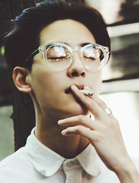 asian gekky men smoking