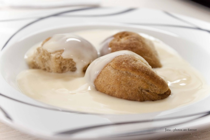 Cucinare con amore: Dukátové buchtičky s domácí omáčkou
