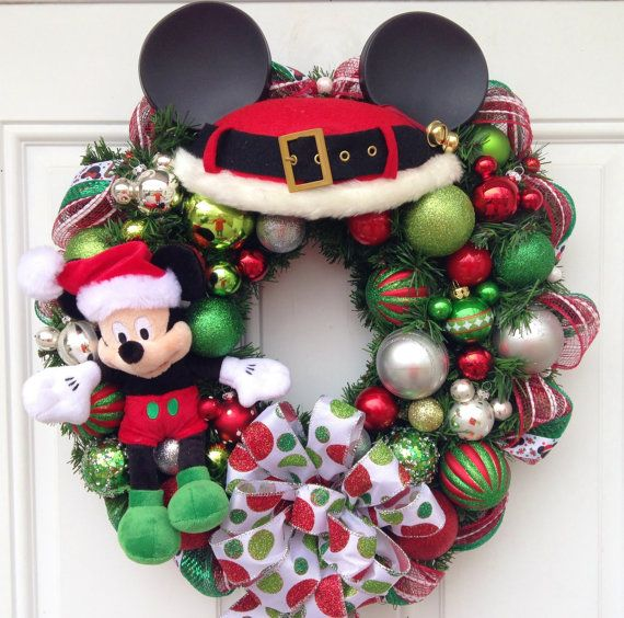 Mickey Mouse Christmas Wreath por SparkleForYourCastle en Etsy