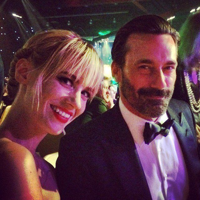 Pin for Later: Go Behind the Scenes With the Stars at the Emmys  January Jones got some face time with her TV husband (well, ex-husband) Jon Hamm at a party.