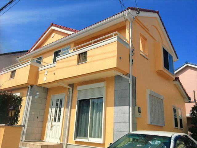 オレンジの外壁で明るい家に おしゃれな事例30選とおすすめの配色