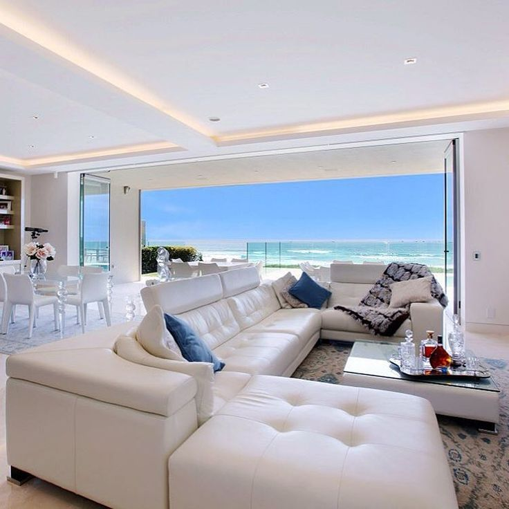 The amazing Soleado @sovereigninteriors paired with a gorgeous view! mermaid Beach - hedges avenue, GOLD COAST!