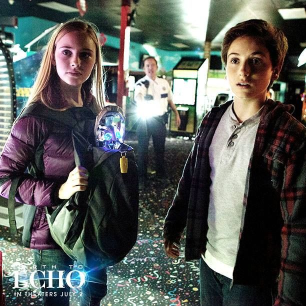 (1) Earth to Echo Prize Pack including $25 Visa gift card to see the film in theaters Earth To Echo Frisbee, Fan, Bike Clip Beach Ball to a lucky winner! Ends 7/07
