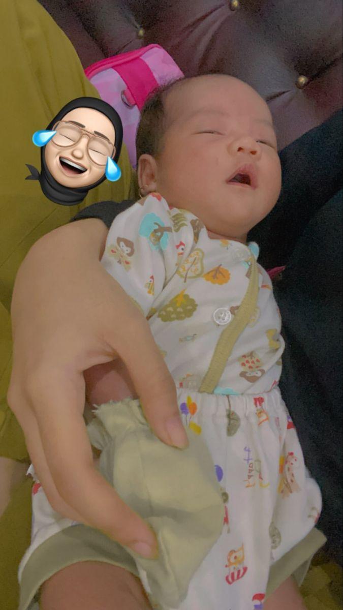 Pin Oleh سيـن ١8 Di Fotos Girls Di 2021 Fotografi Bayi Perempuan Bayi Lucu Fotografi Bayi